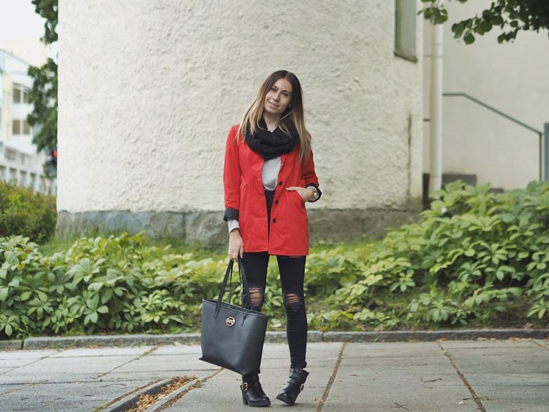 autumn-look-syksy-asu-punainen-takki-revityt-farkut