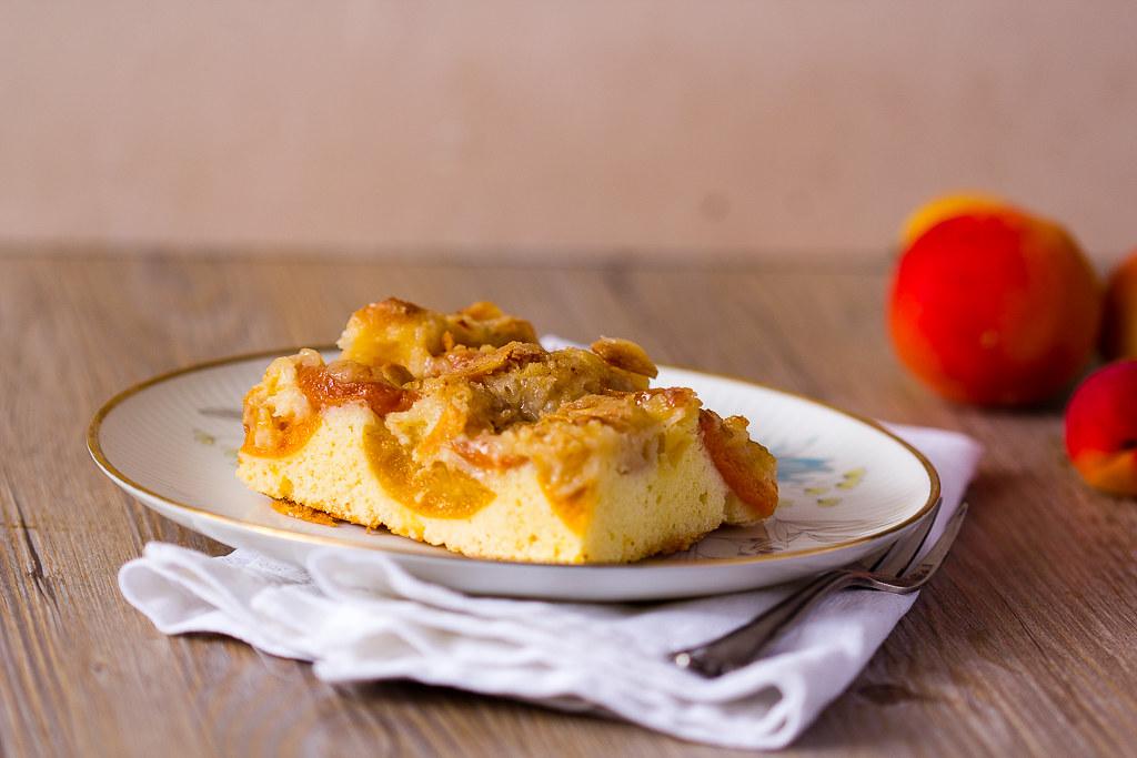 AprikoseAprikosenkuchen vom Blech via lunchforone.denkuchen vom Blech-2