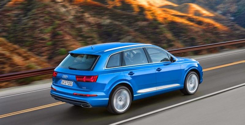 07REVEALED-2016-Audi-Q7-820x420