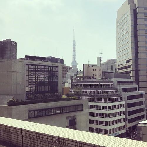 虎の門病院から見た東京タワー
