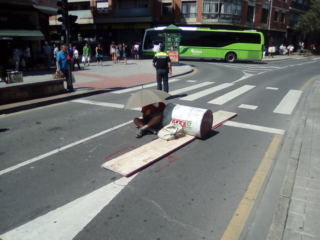 Ibarbengoako parkingaren kontrako errepide-mozketa