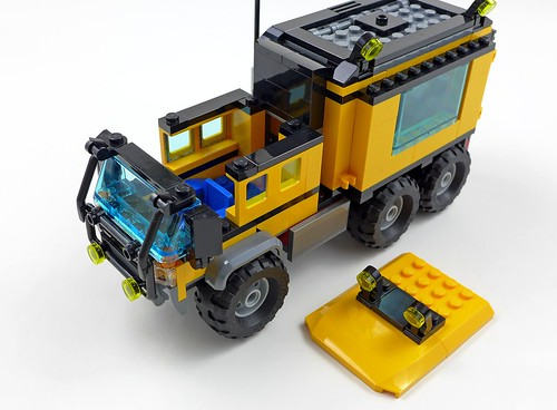 LEGO City Jungle 60160 Jungle Mobile Lab 48