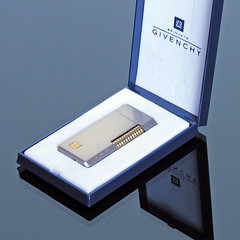 GIVENCHY Pocket Lighter