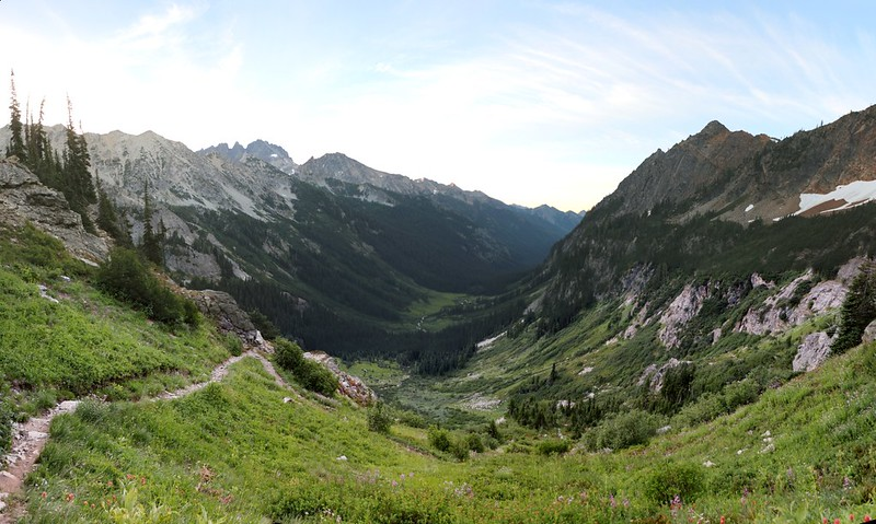 Panorama view of Spider Meadow from the Spider Gap Trail