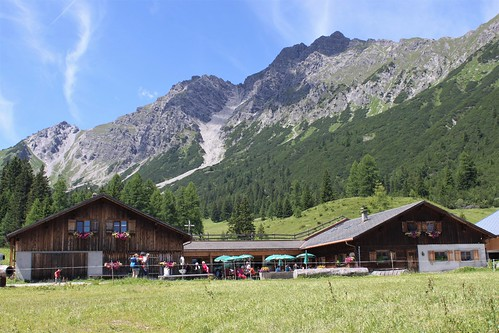 view of restaurant on Alpe Parpfienz