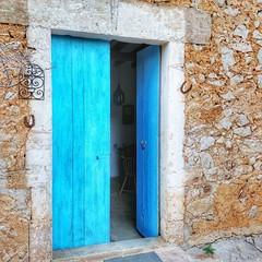 beautiful door :blue_heart: Santanyí #doorsofmallorca