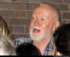 20150812_4 Jim Norton greeting fans by the stage door after ''Hamlet'' | Barbican Theatre, London, England
