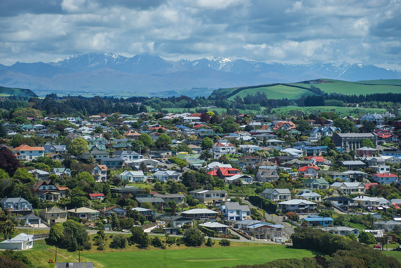 Oamaru and mountains