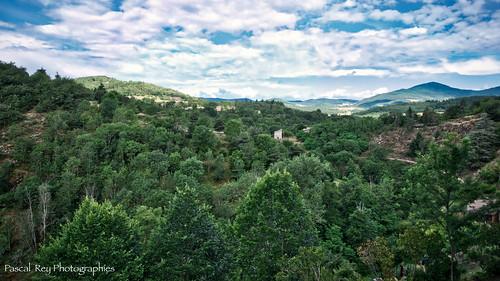 De la terrasse de Notre-Dame de Saint-Romain d'Ay, vue sur l'Ardèche.