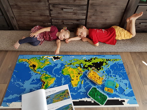 dirks LEGO world map 29 building with kids