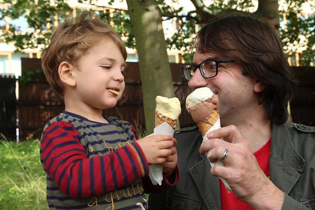 Ice cream in George Square Gardens