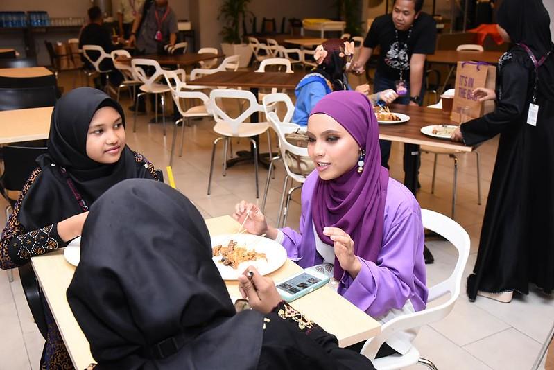 Lin Ariffin Bersama Tetamu Istimewa Anak-Anak Dari Pusat Jagaan Nuri, Setapak