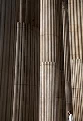 4051 St Paul's Columns