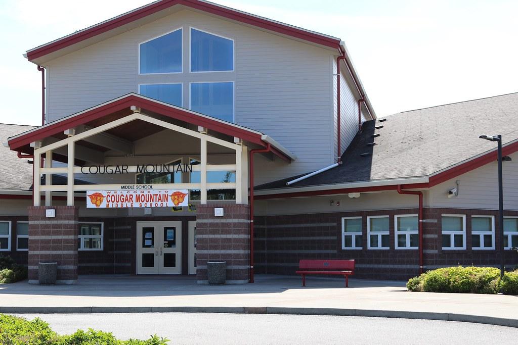 Cougar Mountain Middle School