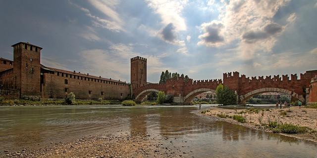 Castelvecchio & Ponte Scaligero / Verona