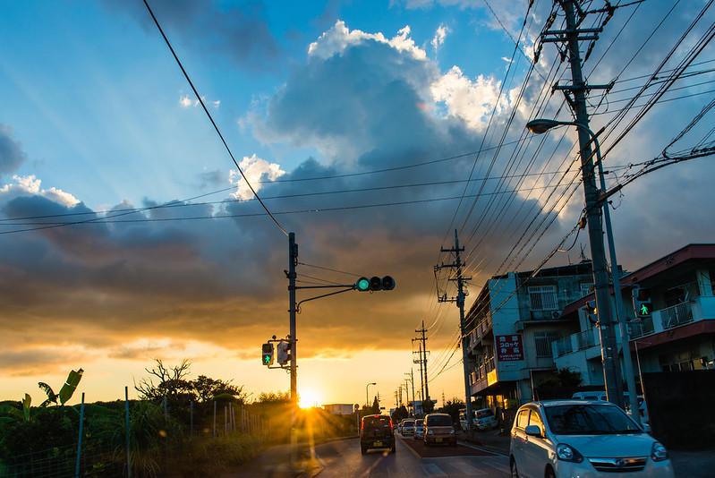 路中夕陽 / Driving