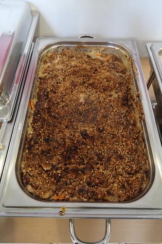 Veganer Kartoffelauflauf mit Nusskruste
