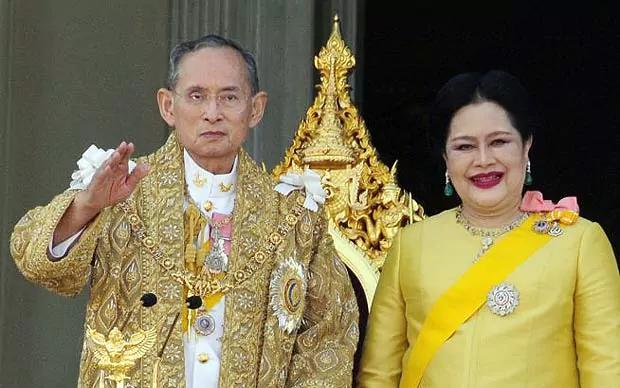 King Bhumibol and Queen Sirikit at the 2006 royal audience in Bangkok, 2006