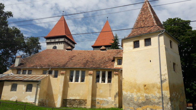 Dealu Frumos Fortified Church