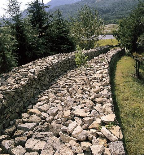 08관문성_일부복원된성벽