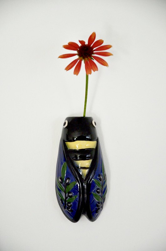 cigale wall vase