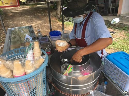 今日のサムイ島 9月6日 ココナッツアイスクリーム‐要クールダウン