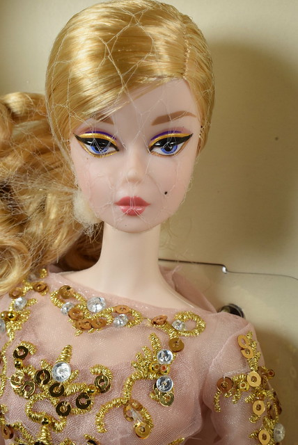2016 Barbie Fashion Model Collection New Classics Collection Blush & Gold Cocktail Dress Silkstone DWF55 (2)