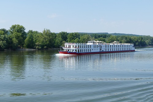 Benefits of Taking A River Cruise