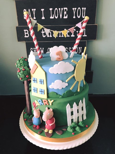 Cake by Cassie's Cakes and Bakes