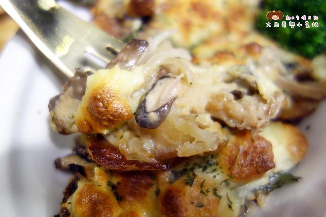 佐式義餐酒館 鮮菇焗薯盅(3).JPG
