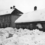 1955 Schnee im Markt sw