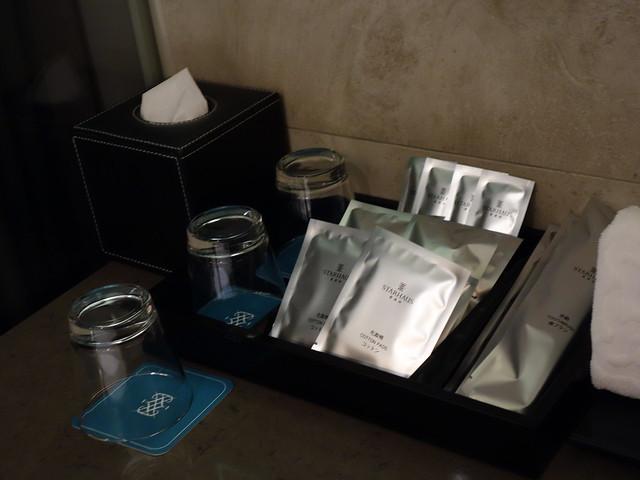 牙刷、浴帽、刮鬍刀等備品@高雄喜達絲飯店