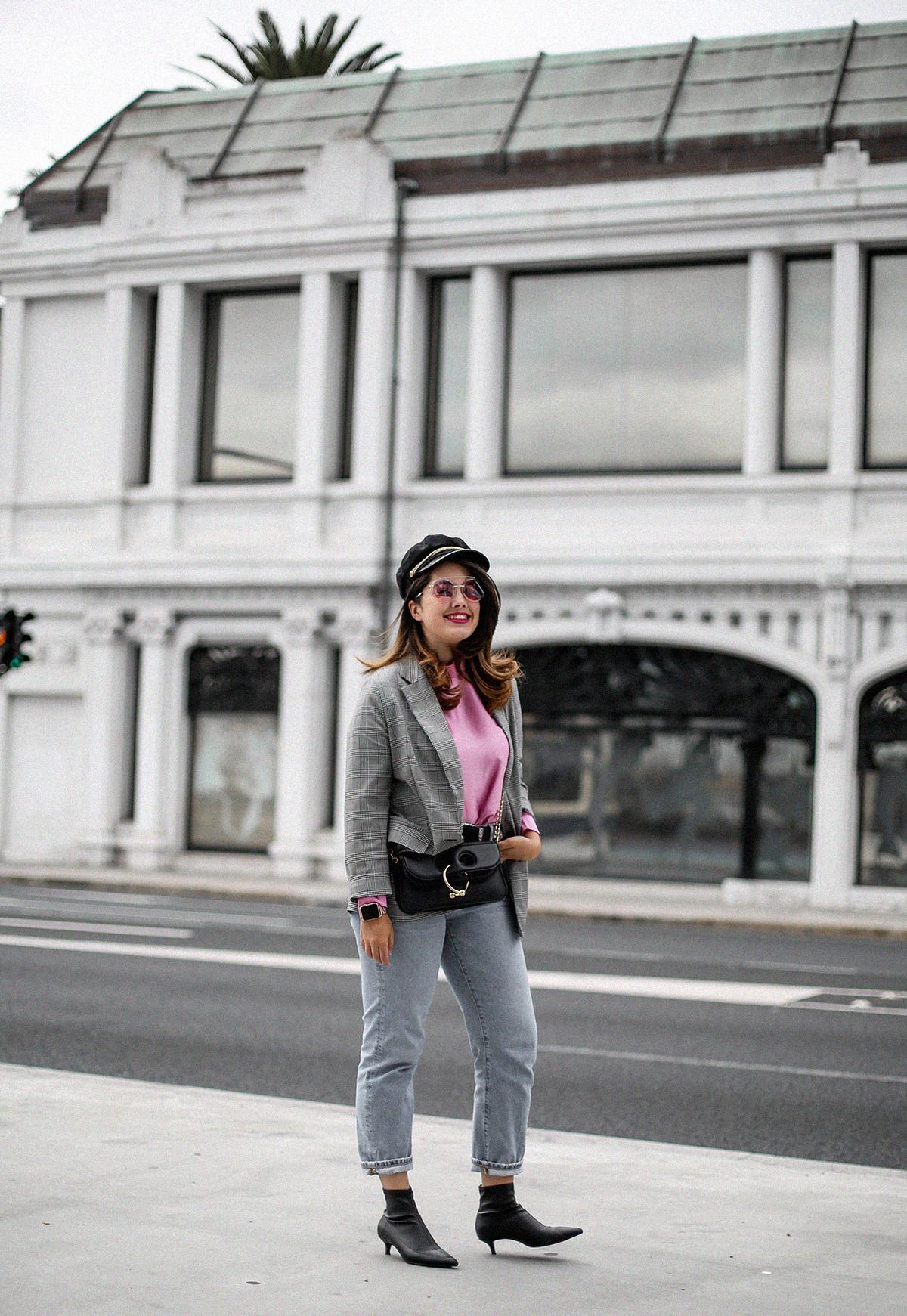 blusa con hombreras rosa asos look back to 80s-6