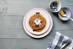 Vegan-banana-peanut-butter-pancakes-overhead