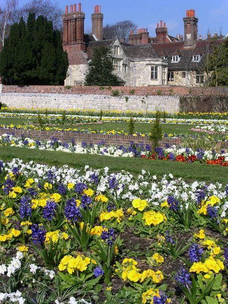 Southover House gardens