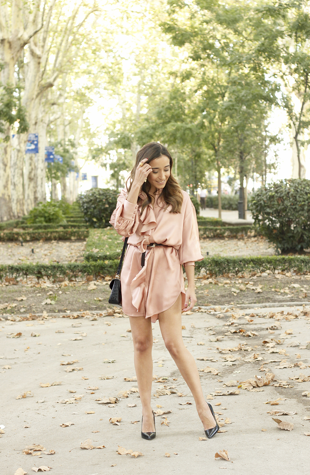 Pink Pale satin dress givenchy bag black heels outfit autumn style fashion02