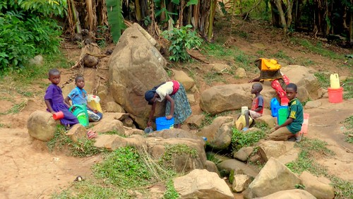 Bukoba - Gathering Water | by GLK Student Fund