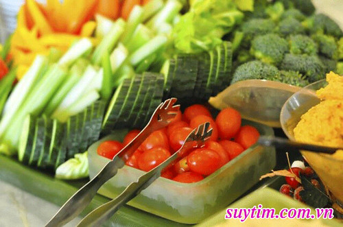 Bị-thiếu-máu-cơ-tim-nên-ăn-ít-đồ-béo,-nhiều-rau-củ-quả