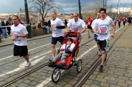 TÉMA: Charity a běžecké závody aneb když běh pomáhá