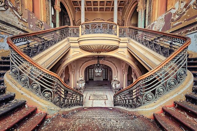 cinderella staircase, Canon EOS 5D MARK III, Canon EF 11-24mm f/4L USM