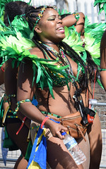 DSC_2066a Notting Hill Caribbean Carnival London Exotic Colourful Costume with Green Feather Headdress Showgirl Performer Aug 28 2017 Stunning Lady Flag of Barbados