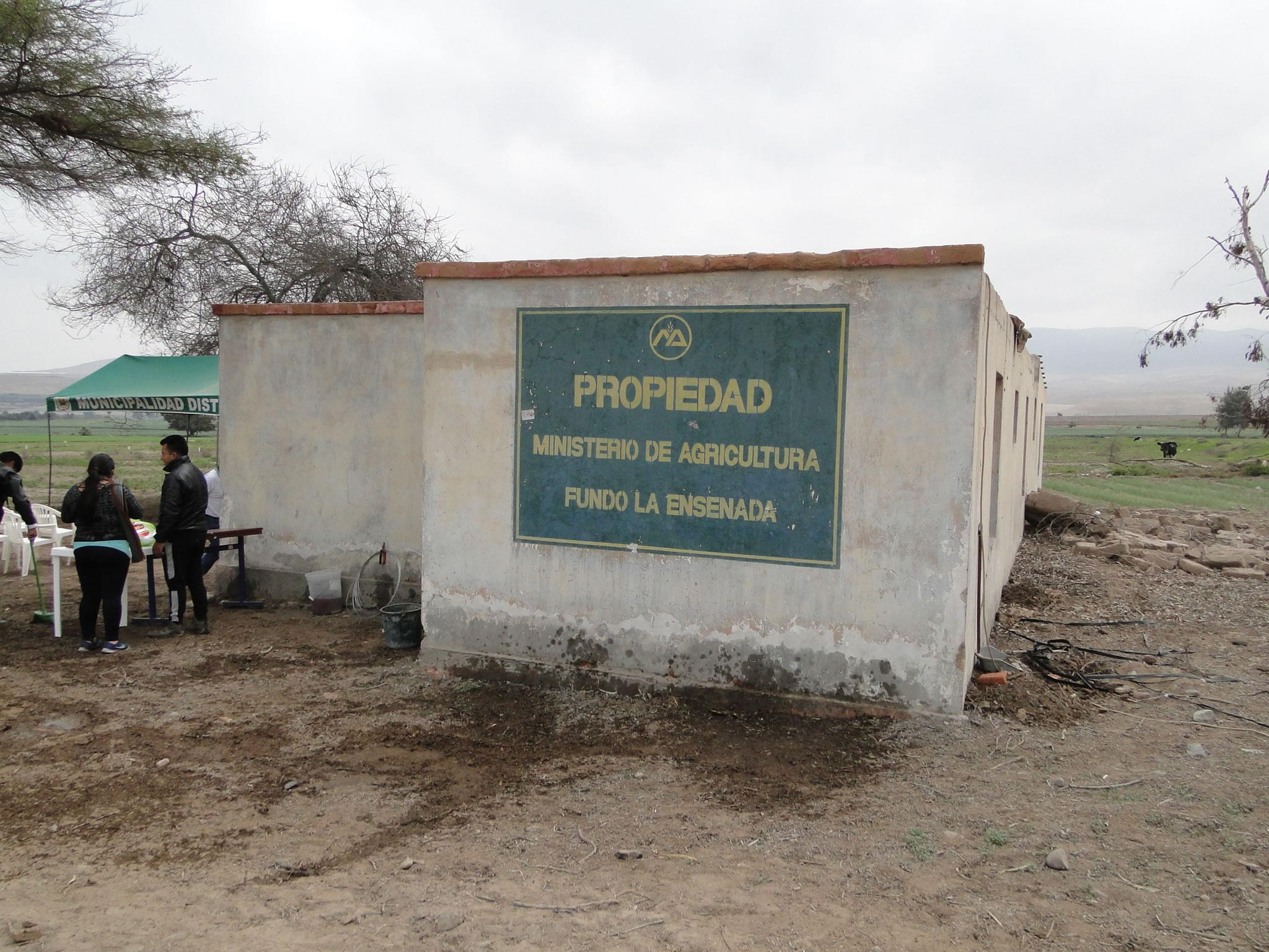 Gobierno Regional entrega 1.5 hectáreas a Instituto del Valle de Tambo