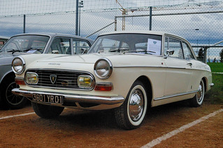 Peugeot_404Coupe_1968_R1