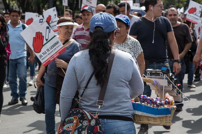 ¿A quién afecta el TLC? Trabajadoras y manifestantes frente al tratado comercial