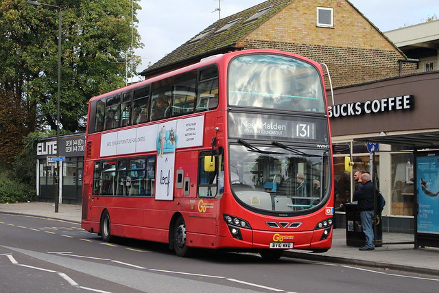 London General WVN41 on Route 131, Raynes Park