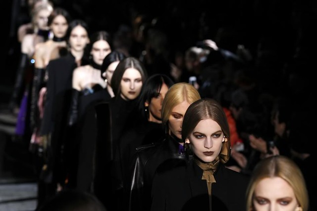 243401-riccardo-tisci-s-equestrian-collection-for-givenchy-at-paris-fashion-w