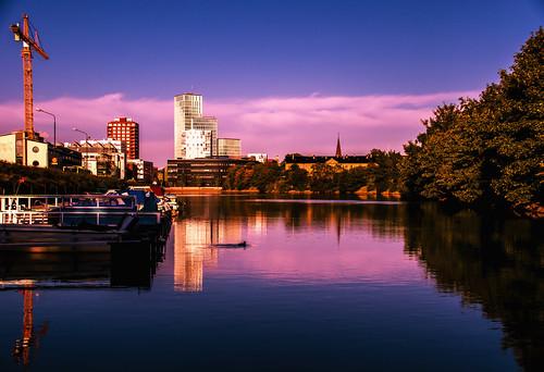 banérskajen water crane boat fiskehoddorna malmölive himmel spegling sweden outdoor evening streetview dock kvällsljus reflection malmö city kanal sunlight cityview solljus sky skånelän sverige se