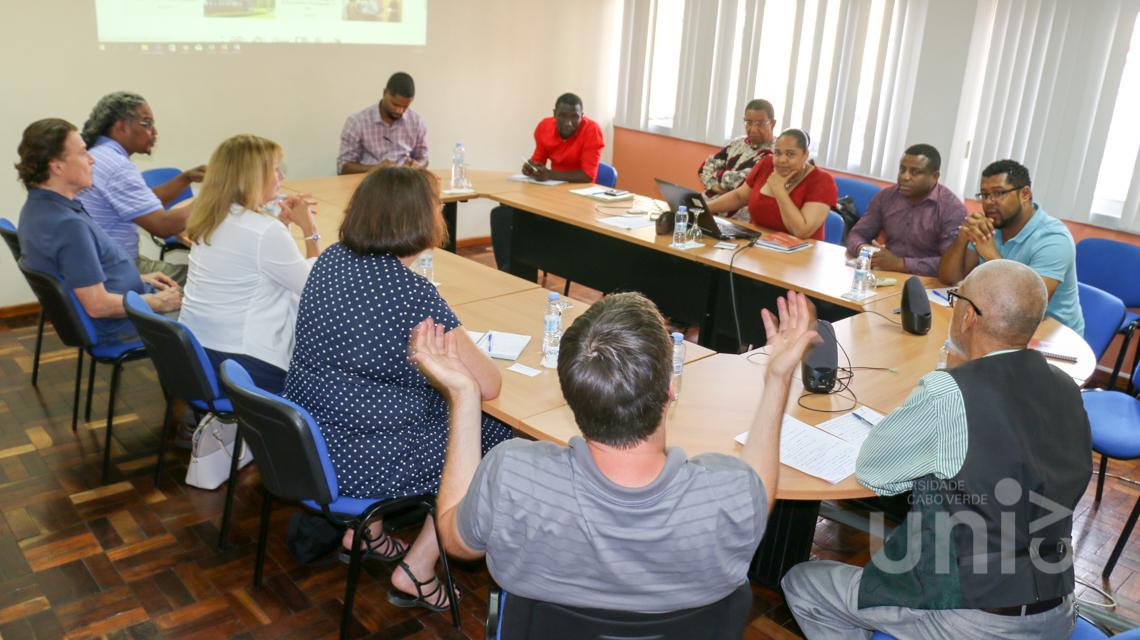 Delegação da Universidade de Rhode Island reúne-se com Equipa Reitoral