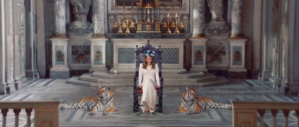 Moran Twins Assosiation: Lana del Rey - Born to Die