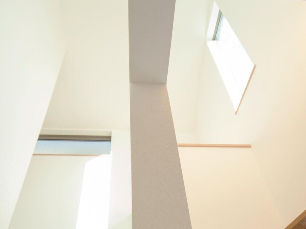 玄関の吹抜けの天井部分